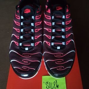 Nike Air Max Plus TN Hot Lava for Sale in Henderson, NV