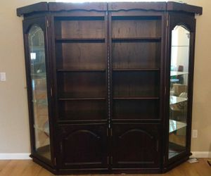 Bookshelves & curio cabinets for Sale in Elk Grove, CA