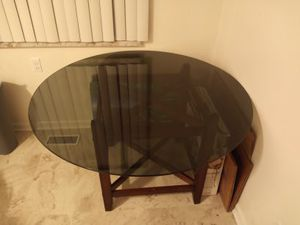 Glass kitchen table for Sale in Brownstown Charter Township, MI