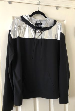 Victoria Sport pullover sz Lg for Sale in East Taunton, MA