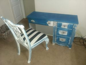 Desk and chair for Sale in Abilene, TX