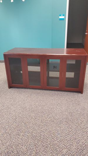 BEAUTIFUL DINING ROOM DISPLAY CABINET for Sale in San Jose, CA