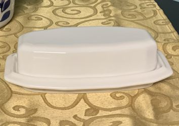 Pfaltzgraff China Butter Dish for Sale in Poolesville,  MD