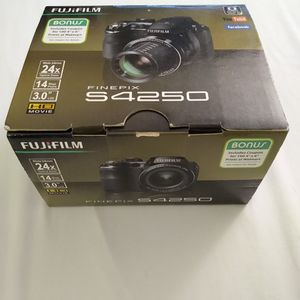 Fujifilm FinePix S4250 Digital Camera for Sale in Henderson, NV