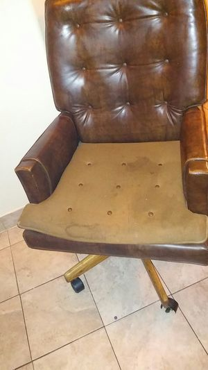 Retro_executive chair for Sale in Las Vegas, NV