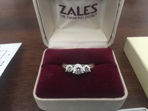 Zales 14k Yellow & White Gold Ring Size 7 for Sale in Ridgefield, WA
