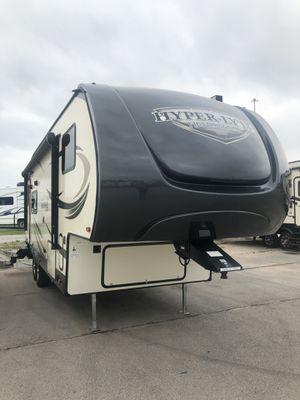 2018 Salem Hemisphere lite 25RKS camper RV 5th wheel trailer for Sale in Oklahoma City, OK