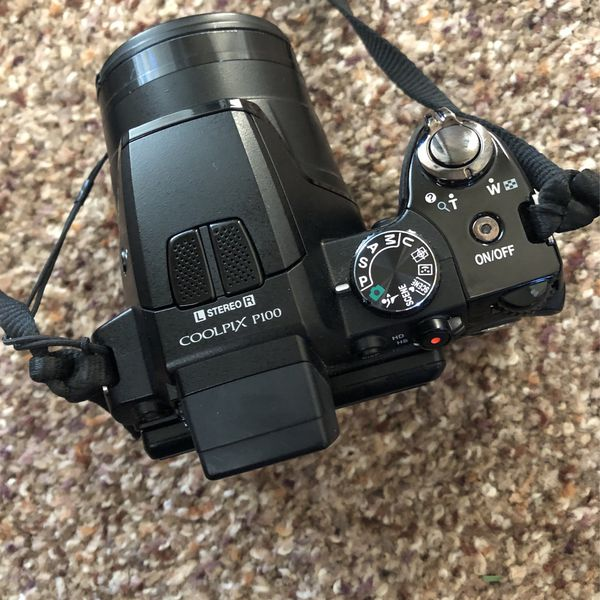 Nikon Cool pix Pro