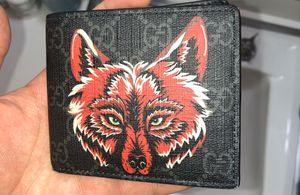 Gucci wallet for Sale in Merrionette Park, IL
