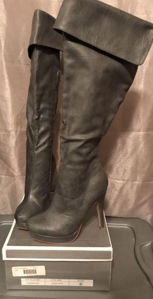NIB Womens Grey PU Boots SZ 6 for Sale in Phoenix, AZ