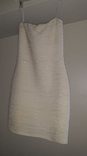 white & gold dress for Sale in Solon, OH