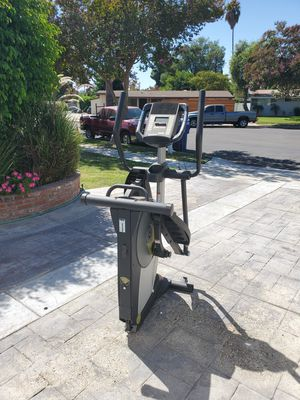 Proform Stride Select Elliptical (Collapsible) for Sale in Los Angeles, CA