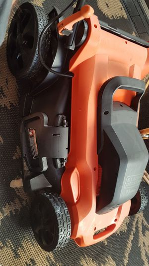 Black and Decker lawn mower electric for Sale in El Cajon, CA