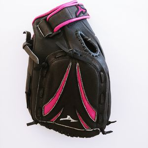 "Mizuno 11.5"" Fast Pitch Softball Glove GPP 1155F1 Pink Trim Right-Hand Thrower for Sale in Pembroke Pines, FL"