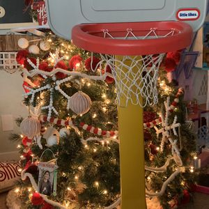 Little Tikes Basketball Hoop for Sale in Los Alamitos, CA