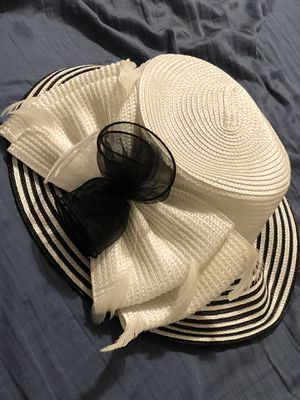 Women's hat for Sale in Kissimmee, FL