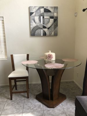 Kitchen table + 4 chairs for Sale in North Las Vegas, NV
