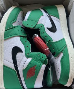 "WMNS Nike Air Jordan 1 Retro High OG ""Lucky Green"" for Sale in Portland,  OR"