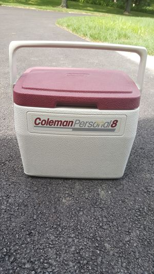 Coleman personal 8 cooler for Sale in Old Mill Creek, IL