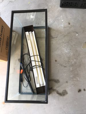 10 gal fish tank and heater for Sale in Ashburn, VA