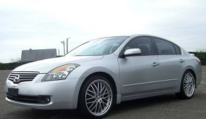 URGENT 09 Nissan Altima FOR SALE for Sale in Los Angeles, CA