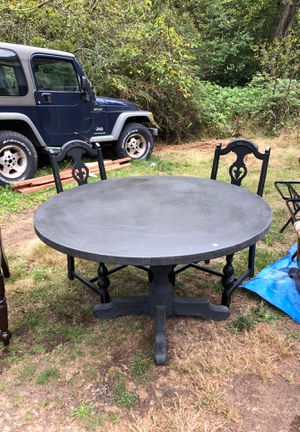 Dining Room Table and Chairs for Sale in Gig Harbor, WA