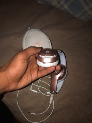 Beats by Dre - rose gold wireless (solo) for Sale in St. Louis, MO