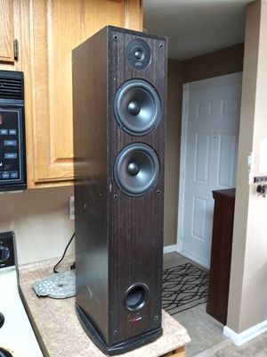 A pair of Polk floor-standing R50 speakers for Sale in North Wales, PA