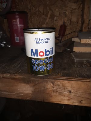 Vintage full oil can for Sale in Shelbyville, MI