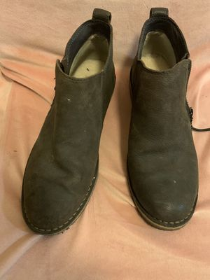 UGG leather shoes size 7.5 with fleece inside for Sale in San Jose, CA
