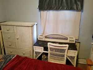 Wicker Furniture, Tv Stand, Desk for Sale in Pittsburgh, PA