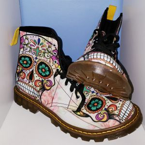 Lace Up SKULL MULTICOLORED Fashion Combat Boots for WOMEN size 11 for Sale in Seminole, FL