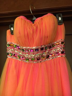 Stunning Prom dress, formal size 8 ? for Sale in Stanwood, WA