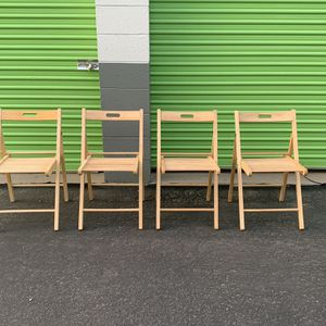 Wood Folding Chairs for Sale in Albuquerque, NM