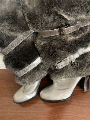 Michael Kors 7 1/2 women boots (2 pairs) brown and silver for Sale in La Cañada Flintridge, CA