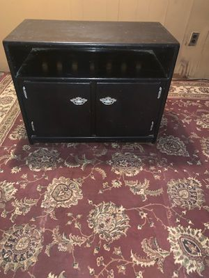 TV Stand / Liquor Cabinet for Sale in Philadelphia, PA