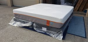 King tempurpedic firm breeze matres and boxpring for Sale in Hayward, CA