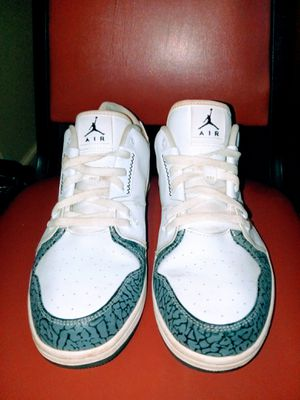AUTHENTIC MICHAEL JORDAN AIR NIKE SNEAKERS. WHITE SIZE 12. for Sale in Lakewood Township, NJ