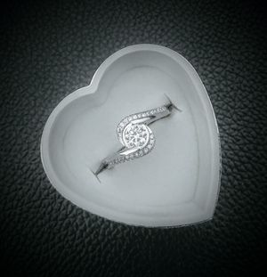 925 Sterling Silver White Sapphire Ring - Size 8 for Sale in Scottsdale, AZ