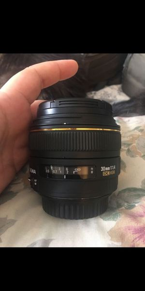 Sigma EX DC HSM 30mm f1.4 lens for Sale in Lakeside, CA
