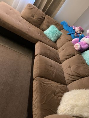 Brown sectional couch for Sale in West Sacramento, CA