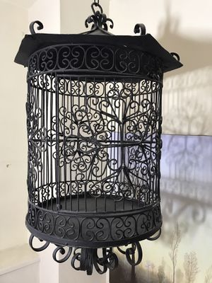 Large metal ( iron ) bird cage in good shape local pick up NYC for Sale in New York, NY
