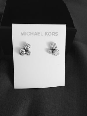 New in box Michael Kors earrings for Sale in Hampton, VA