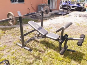 Bench/ squat rack for Sale in Miami Gardens, FL