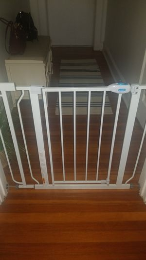 Dog/baby gate - like New $50 for Sale in Kearny, NJ