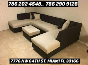 Shape U sectional couch never used for Sale in Miami, FL
