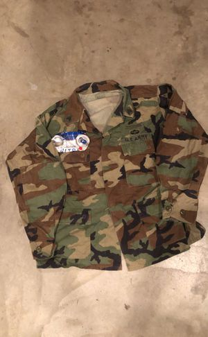 Military issued woodland top for Sale in Clovis, CA