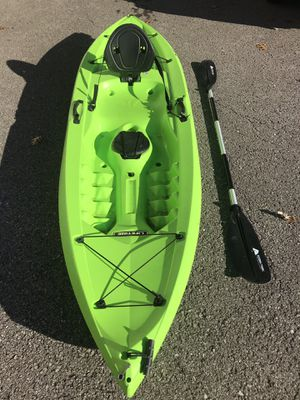 10 ft kayak and paddle for Sale in Hendersonville, TN