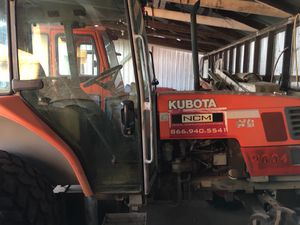 2004 Kubota M4900 2WD (54HP) diesel tractor with cab and AC for Sale in Reedley, CA