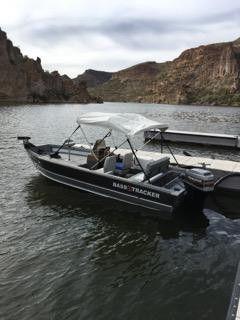 Tracker 17 ft aluminum bass boat for Sale in Queen Creek, AZ